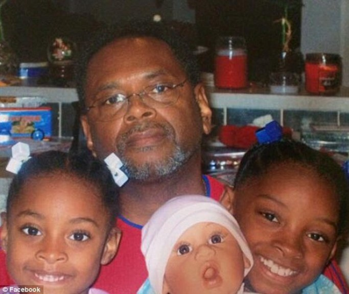 37004D3F00000578-3732340-Adopted_father_Simone_Biles_right_with_Adria_Biles_and_Ron_Biles-a-26_1470850054306